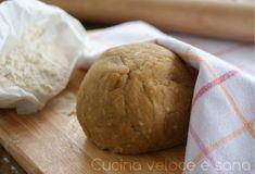 Impasto rustico per torte salate. Un impasto velocissimo da preparare, con pochi ingredienti semplici, da utilizzare come base per torte salate,