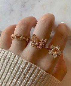 #rings #promiserings #aesthetic #y2k #y2kstyle #y2kfashion #goldrings #diamondengagementrings #diamonds #butterfly Stylish Rings, Stylish Jewelry, Dainty Jewelry, Cute Jewelry, Nail Jewelry, Jewelery, Jewelry Accessories, Jewelry Design, Cute Rings