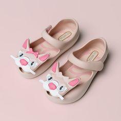 Poszukiwania nowej pary butów na wiosnę to ogromne wyzwanie szczególnie jeśli mamy do czynienia z najmłodszym, a zarazem najbardziej wymagającym gustem.  #btuy #dziecko #butydzieciece #butynawiosne #butydladziecka #dzieci #melissa #paez #ecco