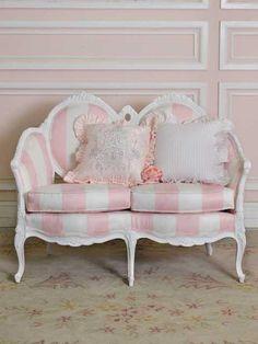 adorable!   #pink #pinkroom #pinlsetee #pinkstripes