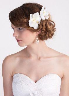 Orchideen Haarblüten, Ivory Haarblüten von Hochzeit Fantasie bei Maija auf DaWanda.com