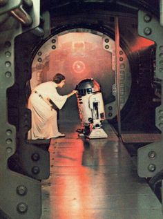 Star Wars: Episode IV A New - Ideas of Ray Star Wars - - RIP Carrie Fisher>Princess Leia places plans for the Death Star into the robot Film Star Wars, Star Wars Art, Star Trek, Leia Star Wars, Star Wars Princess Leia, Star Wars Poster, Tv Star, Lego Star, Starwars