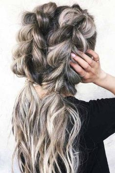 50 Trendy Dutch Braid Hairstyle Ideas to Keep You Cool - Beliebt Frisuren - braids Messy Braids, Cool Braids, Braided Ponytail, Dutch Braids, Ghana Braids, French Braids, Dutch Hair, French Bun, Pigtail Braids