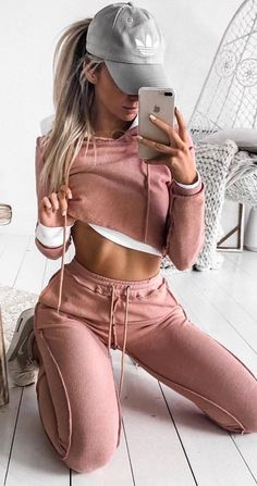 Insta @ famme for more amazing strong women in activewear from all around the world Winter Outfits, Summer Outfits, Casual Outfits, Night Outfits, Teen Fashion, Fashion Outfits, Womens Fashion, Fashion 2018, Fashion Online