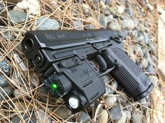 My Heckler and Koch USP 40 - www.Rgrips.com Find our speedloader now! http://www.amazon.com/shops/raeind