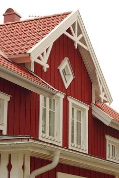 Living Room Decor Burgundy, Burgundy Decor, Burgundy Walls, Burgundy Room, Wattle And Daub, Victorian Porch, Swedish Cottage, Red Houses, Cottage Exterior