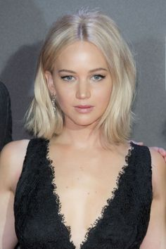 Bob Hairstyles - Jennifer Lawrence - November 10, 2015