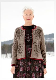 """Bloom"" felted wool cardigan – Winter 2014 – GUDRUN SJÖDÉN – Webshop, mail order and boutiques Boho Fashion, Winter Fashion, Womens Fashion, Moda Hippie, Estilo Hippy, Scandinavian Fashion, Colourful Outfits, Colorful Clothes, Bohemian Mode"