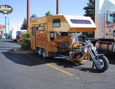 Interesting Camper mounted to motorcycle