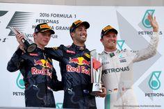 Verstappen scoort opnieuw podium in Maleisië, Red Bull één-twee - Verstappen.nl