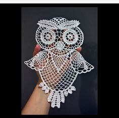 This owl can be used as doily hanging decoration or a motif for t shirt or bag the size after starching and stretching is about you will need about 100 m of anchor aida 20 or similar yarn and crochet size 0 75 1 0 time needed depends on your skills f Crochet Thread Patterns, Owl Patterns, Crochet Designs, Crochet Dollies, Crochet Birds, Crochet Crafts, Beginner Crochet Projects, Crochet For Beginners, Filet Crochet
