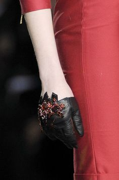 Dsquared² Fall 2010 #gloves #fashion #Dsquared
