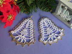 Crochet Christmas Ornaments, Christmas Crochet Patterns, Christmas Bells, Scrap Yarn Crochet, Crochet Gifts, Free Crochet, Crochet Snowflake Pattern, Crochet Snowflakes, Hand Embroidery Flowers