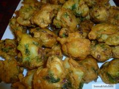 Chickpea and Potato Bhajia Somalis make various versions of this delicious snack. This particular recipe uses chickpea flour and potatoes.Bhajia is usually served with a hot sauce such as shidni or tomato sauce.
