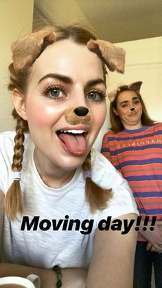 Rose and Rosie Rose And Rosie, Coming Up Roses, Lesbian Love, Youtubers, Lgbt, Cute Girls, Pride, Fandom, Celebs