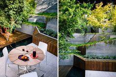 Il cortile è soltanto 23' largamente e il ′ 50 in profondità, tuttavia, il cortile ha un cambiamento di elevazione di 17 ′, rendente ad un certo pensiero creativo una necessità. I proprietari hanno voluto uno spazio per la disposizione dei posti a sedere all'aperto e un'area divertente, che sarebbero state vicine alla casa come pure un'area di disposizione dei sedili accessibile alla cima del giardino. Prendendo l'ispirazione da progettazione giapponese, il giardino mira ad usare la luc...