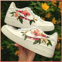 I've seen custom painted Nike Air Force on depop and I wanted to try something similar with flowers. I think this may have to be my favourite design yet! Custom Painted Shoes, Hand Painted Shoes, Custom Shoes, Custom Sneakers, Nike Shoes Air Force, Nike Air Force Ones, Floral Nikes, Painted Sneakers, Aesthetic Shoes