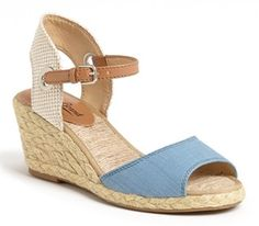 chambray sandals @Nordstrom  http://rstyle.me/n/fnpknpdpe