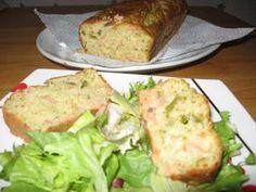 Cake au saumon fumé et asperges vertes Cake Courgette, Petit Cake, Four, Wraps, Milk, Parsley, Smoked Salmon, Neutral, Pepper