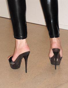Color Footwear Stilettos Sandals Color: Black, Blue Categories:Sandals Heel Height:Super High Toe Cap:Peep-Toe Closure Type:Lace Up Platform Heel Style:Stiletto Extreme High Heels, Very High Heels, Open Toe High Heels, Platform High Heels, Black High Heels, High Heels Stilettos, High Heel Boots, Summer Heels, Beautiful High Heels