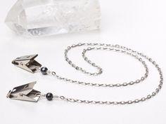 Hematite oval link napkin chain - http://www.victoriafielddesigns.co.uk/