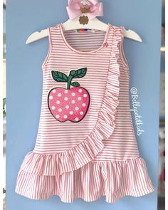 Sewing baby dress children ideas for 2019 Girl Dress Patterns, Clothing Patterns, Sewing Patterns, Baby Girl Romper, Baby Girl Dresses, Little Girl Outfits, Kids Outfits, Baby Dress Design, Sewing Clothes