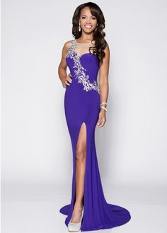 773c9171e370 #prom #prom15 #pocadiz Glamorous Evening Dresses, Evening Gowns, Prom Long,