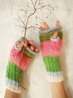 pretty fingerless gloves