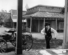 """High Noon"" Gary Cooper 1952 Universal Sheb Wooley, Fred Zinnemann, Lloyd Bridges, Frank James, Lon Chaney Jr, Lee Van Cleef, Gary Cooper, High Noon, Pictures Images"