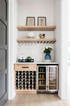 Diy Home Bar, Home Bar Decor, Bars For Home, Mini Bar At Home, Home Wine Bar, Home Bar Cabinet, Modern Bar Cabinet, Bar Cabinets For Home, Bar Storage Cabinet
