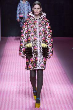 Mary Katrantzou Fall 2015 Ready-to-Wear Fashion Show - Lisa Verberght