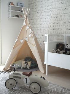 Ideas for Decorating a Child's Bedroom Decorate Lampshade, Nursery Accessories, Nursery Design, Home Staging, Kids Bedroom, Beautiful Homes, Toddler Bed, Interior Decorating, Children