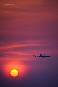 .airplane by ˙·٠•● Peter Nguyen, via Flickr