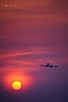 .airplane by ˙·٠•● Peter Nguyen, via Flickr