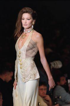 Carla Bruni in Dior, Women's Fashion