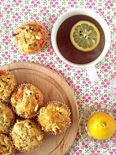 Savoury muffins with cheese. dried tomatoes, red bell pepper, poultry ham and parsley. Savory Muffins, Savoury Baking, Dried Tomatoes, Poultry, Feta, Ham, Stuffed Peppers, Cheese, Cooking