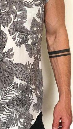Arm Tattoos Black, Black Band Tattoo, Tattoo Band, Band Tattoo Designs, Forearm Band Tattoos, Wrist Tattoos For Guys, Small Tattoos For Guys, Tattoo Bracelet, Flower Wrist Tattoos