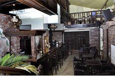 Casa Old House din Timisoara e atat de primitoare incat iti ofera prilejul de a o metamorfoza in ce iti doresti. Restaurant, bar, pub, lounge, cafenea, crama, c