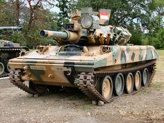 M551A1 Armored Reconnaissance Airborne Assault Vehicle (USA)