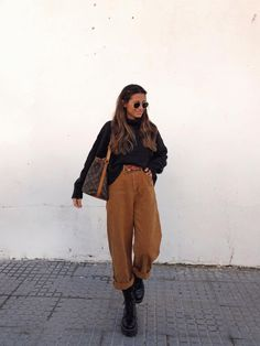 Street style, fashion, outfit, girl and inspo. moda e estilo Cute Spring Outfits, Simple Outfits, Stylish Outfits, Winter Outfits, Looks Style, Looks Cool, Look Fashion, Winter Fashion, Fashion Spring