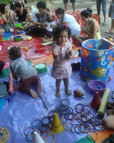 Dia maravilhoso organizado pelo @dopicole com muito amor e carinho. Lugar lindos famílias queridas brincadeiras diversão  interação consumo consciente alimentação sorteios lembranças ou seja evento perfeito e super agradável. #sarahlinda #sarahborges #parquedacatacumba #lagoa #lagoarodrigodefreitas #dopicole #feirinha #consumoconsciente #sustentabilidade #trocadebrinquedo #picnic #passeioemfamilia #passeio #boanoite by sarah.borges_ http://ift.tt/1TQKUFL