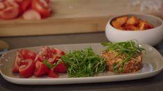 Tartaar van mozarella en tomaat met zoete aardappelblokjes  | VTM Koken My Kitchen Rules, Vegetarian Lifestyle, Go For It, Mindful Eating, Salad Bar, Seaweed Salad, I Foods, Lunches, Foodies