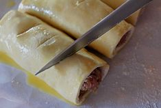 slitting the sausage rolls with a knife Irish Sausage, Biscuit Sandwich, Puff Pastry Sheets, How To Make Sausage, Tasty, Yummy Food, Sausage Rolls, Egg Wash