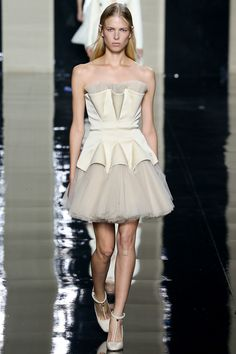 Christopher Kane Spring 2015 Ready-to-Wear - Collection - Gallery - Look 1 - Style.com