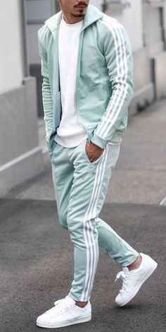 Discover cool casual wear for men featuring outfits fit for nights out and relaxed office days. Explore cool stylish male looks and fashionable clothing. Mens Fashion Blog, Best Mens Fashion, Mens Fashion Suits, Mens Suits, Man Fashion, Fashion Tips, Dope Outfits For Guys, Stylish Mens Outfits, Guy Outfits