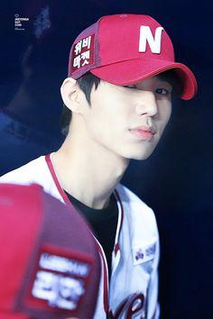 Kim Jae Yong 김재용    Halo    1994    185cm    Vocal