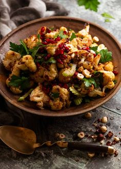 Cauliflower Salad in a bowl, ready to be served Ottolenghi Salad, Ottolenghi Recipes, Yotam Ottolenghi Plenty, Roasted Cauliflower Salad, Cauliflower Recipes, Veggie Dishes, Vegetable Recipes, Recipetin Eats, Cooking Recipes