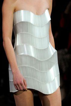 Experimental fashion structures - sculptural wave dress; alternative materials in fashion design // iIris Van Herpen