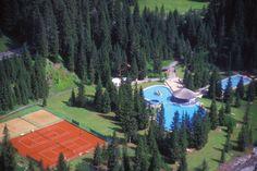 Schwimmen, Tennis & Beachvolleyball in Lech :) Tennis, Places, Painting, Art, Ski, Swim, Tennis Sneakers, Painting Art, Paintings