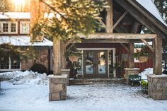 Trillium Resort main entrance photo by Vaughn Barry Photography